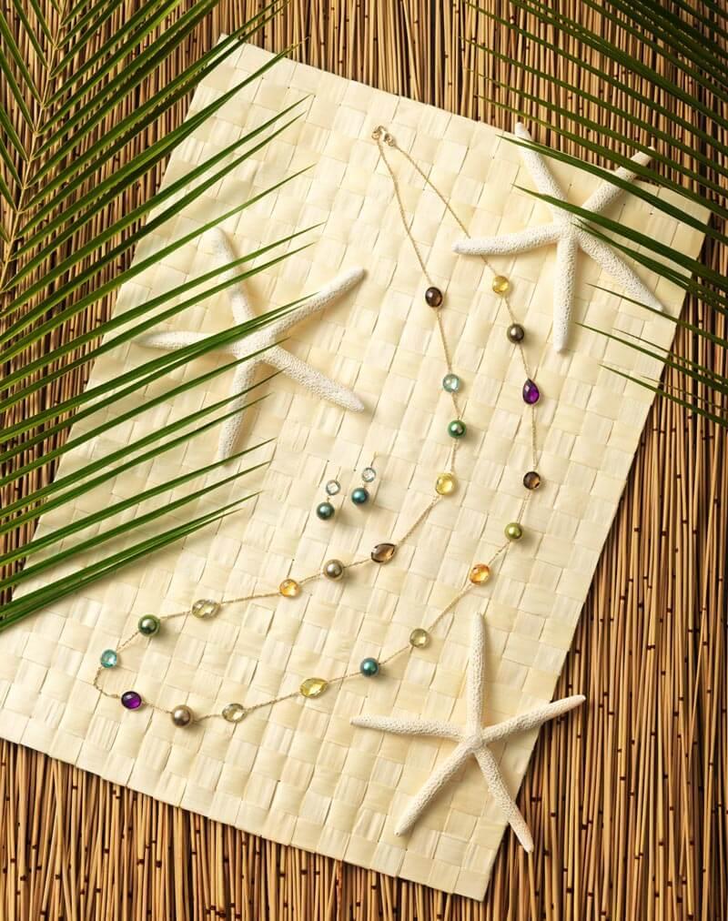 Sautoir et boucles d'oreilles en or jaune 14 carats, pierres semi-précieuses et Perles de Tahiti.