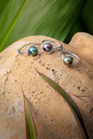 Tahitian Pearl and diamond rings in 18Kt white gold.