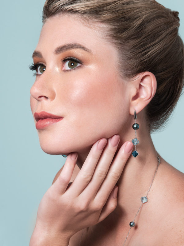 Tahitian Pearls and Blue topaz earrings and sautoir set in 18Kt white gold.