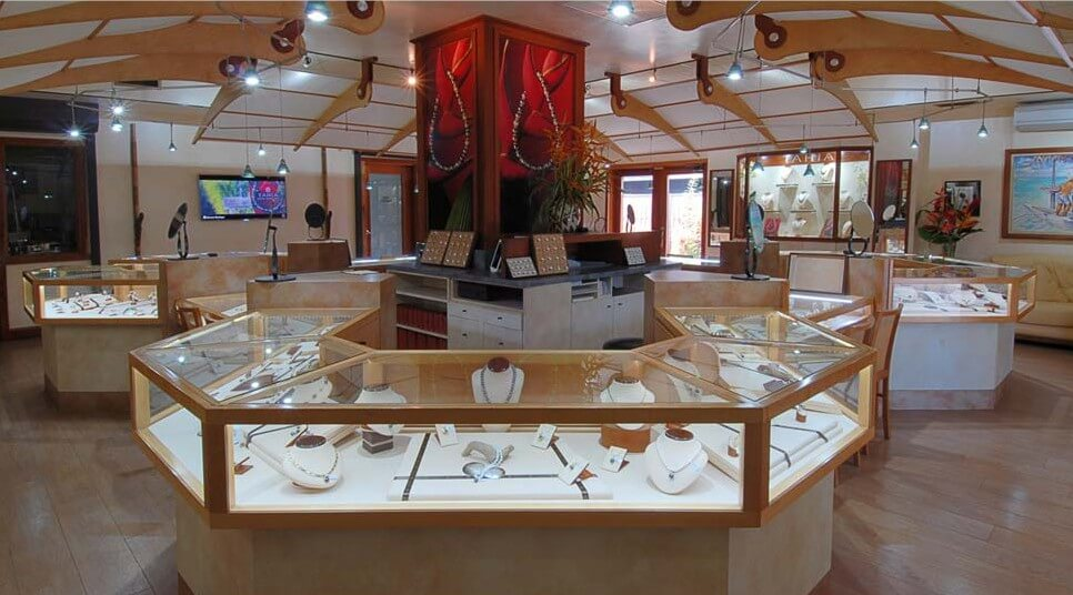 Inside Tahia Pearls Boutique - Moorea island