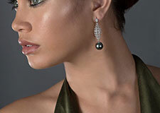 boucles d'oreille perle de Tahiti en or blanc 18 carats