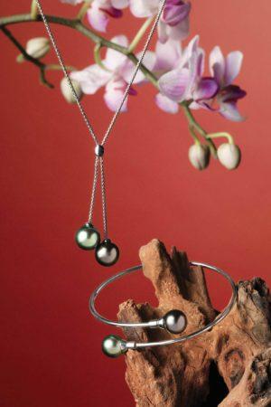 Collier et bracelet en or blanc 18 carats et Perles de Tahiti.
